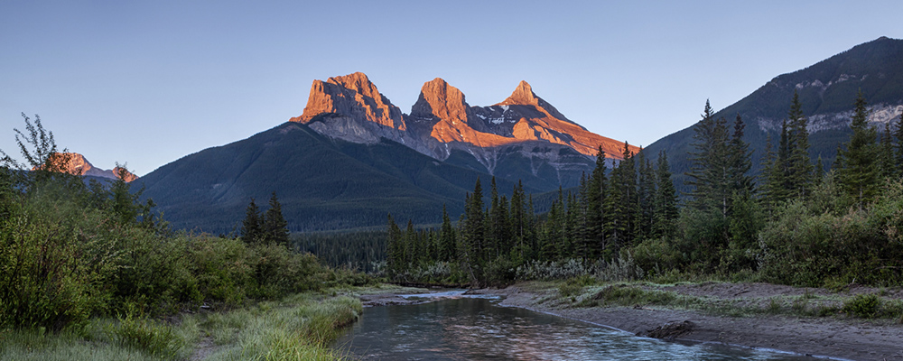 Three-sisters-sunrise_slider